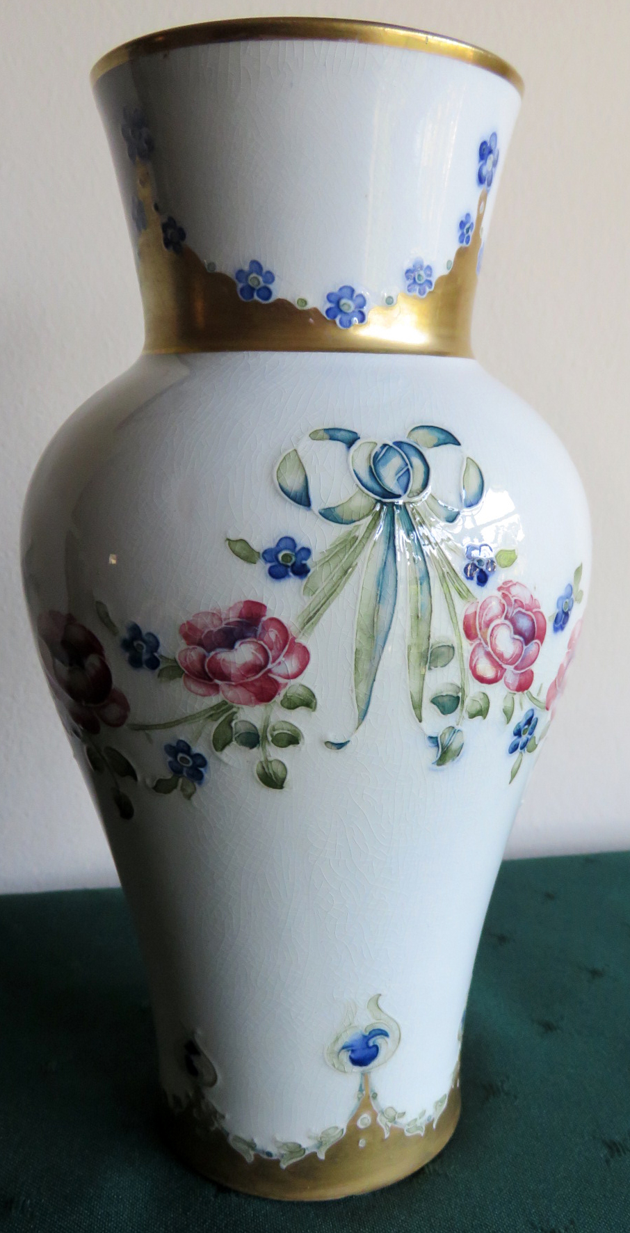 Moorcroft Macintyre Eighteenth Century Rose Garland Vase